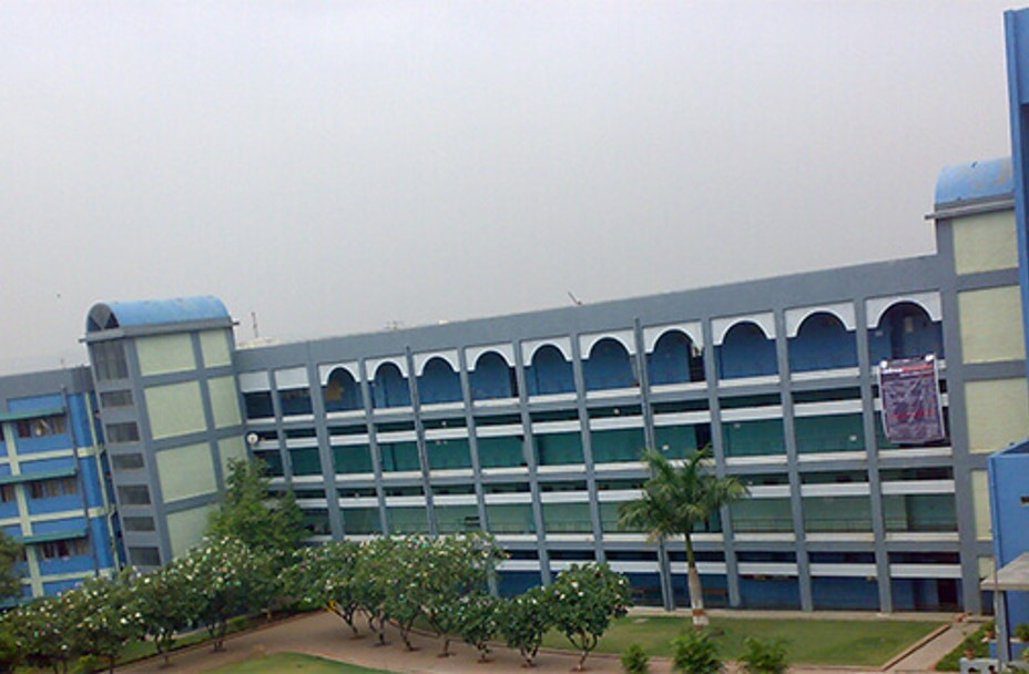 This image has an empty alt attribute; its file name is Vishwakarma-University-School-of-Architecture-and-Planning.jpg